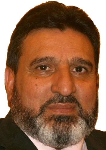 Altaf Bukhari demans free flights for stranded passengers