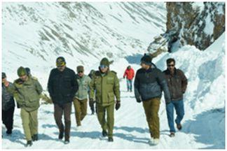 CEC Kargil inspects snow clearance work on Kargil-Srinagar road