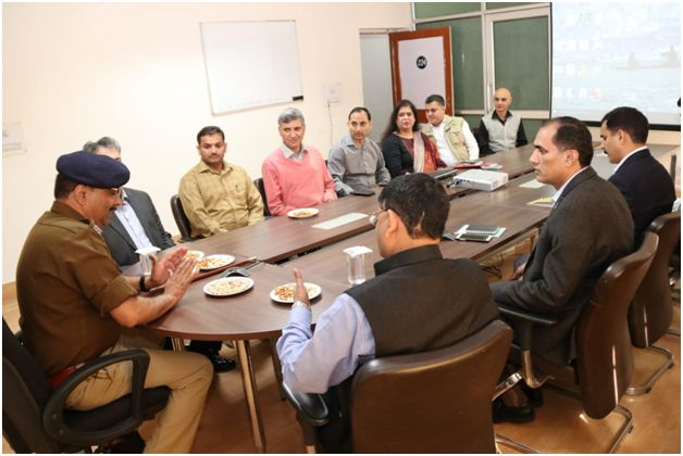 DGP visits police offices at Jammu, call for priority to public importance case
