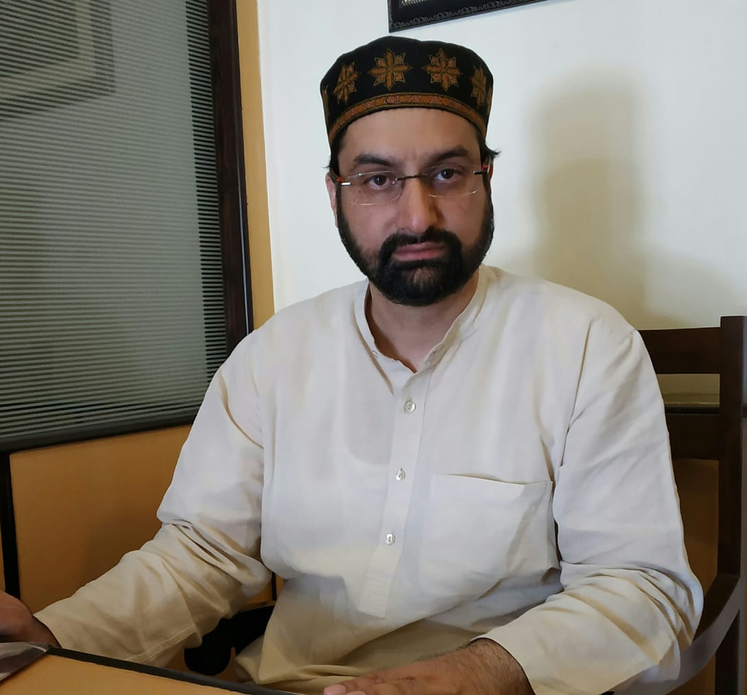 Will soon reveal names of masked youth behind pulpit desecration, says Mirwaiz