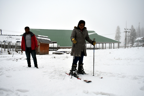 Snowfall in higher reaches of Kashmir